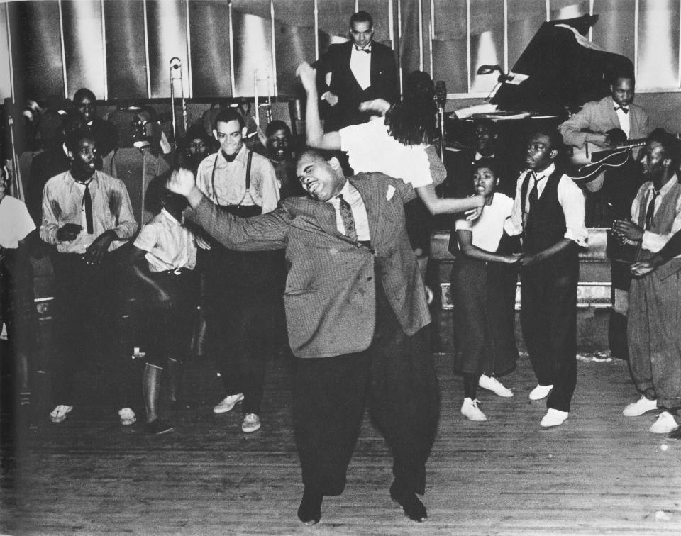 A E Bb B Bbd Cfc D Bb E B on Jitterbug Dance In The Harlem Renaissance