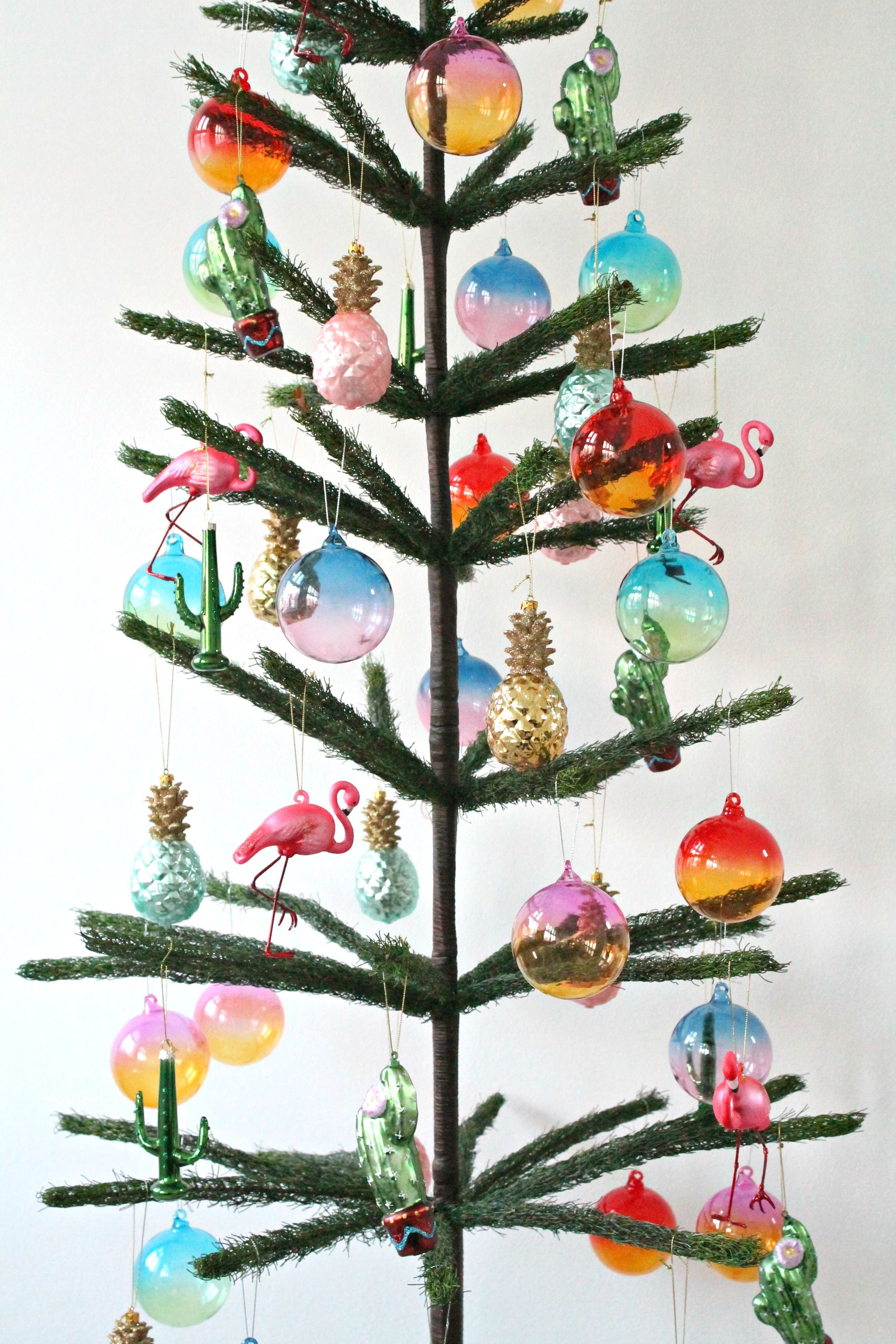 My colourful Summer Christmas with a DIY and a sunny theme tree
