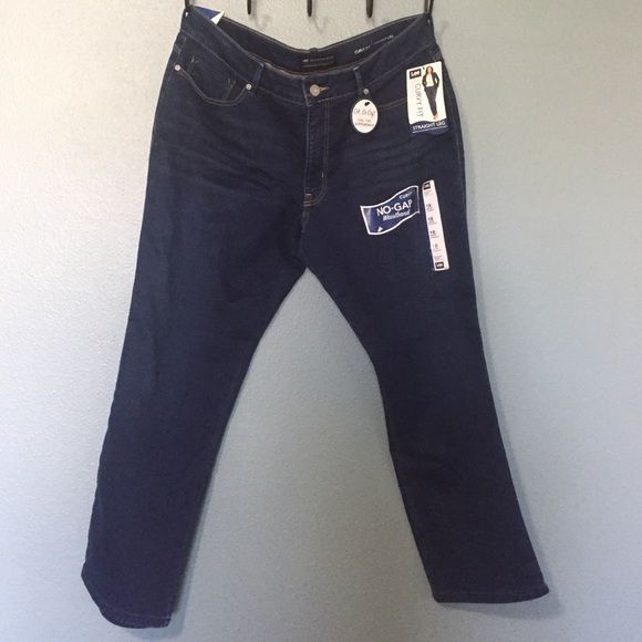 Lee Curvy Fit Jeans - Short-Straight Lee Modern Series, Curvy Fit jeans. Never worn. I lost weight before I was able to wear them. Lee Jeans Straight Leg