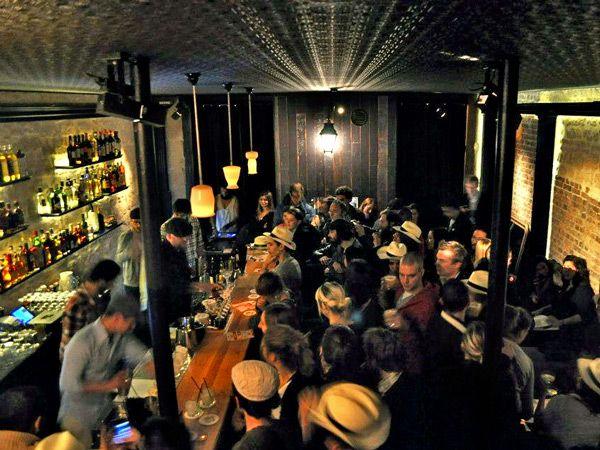 pin van eveline roels op paris paris pinterest paris bar en paris bars. Black Bedroom Furniture Sets. Home Design Ideas