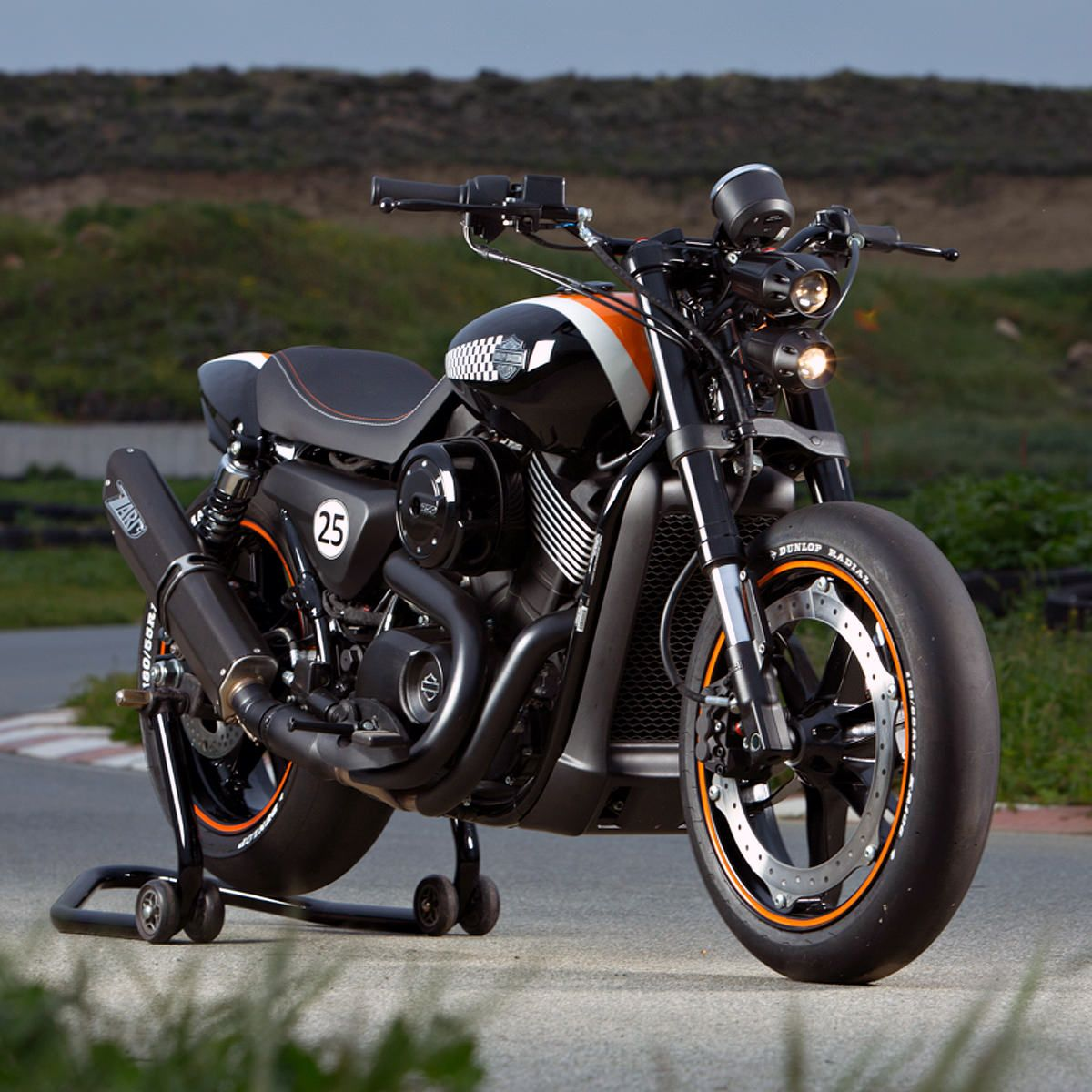 Battle Of The Kings Report From Wheels Waves Harley Davidson