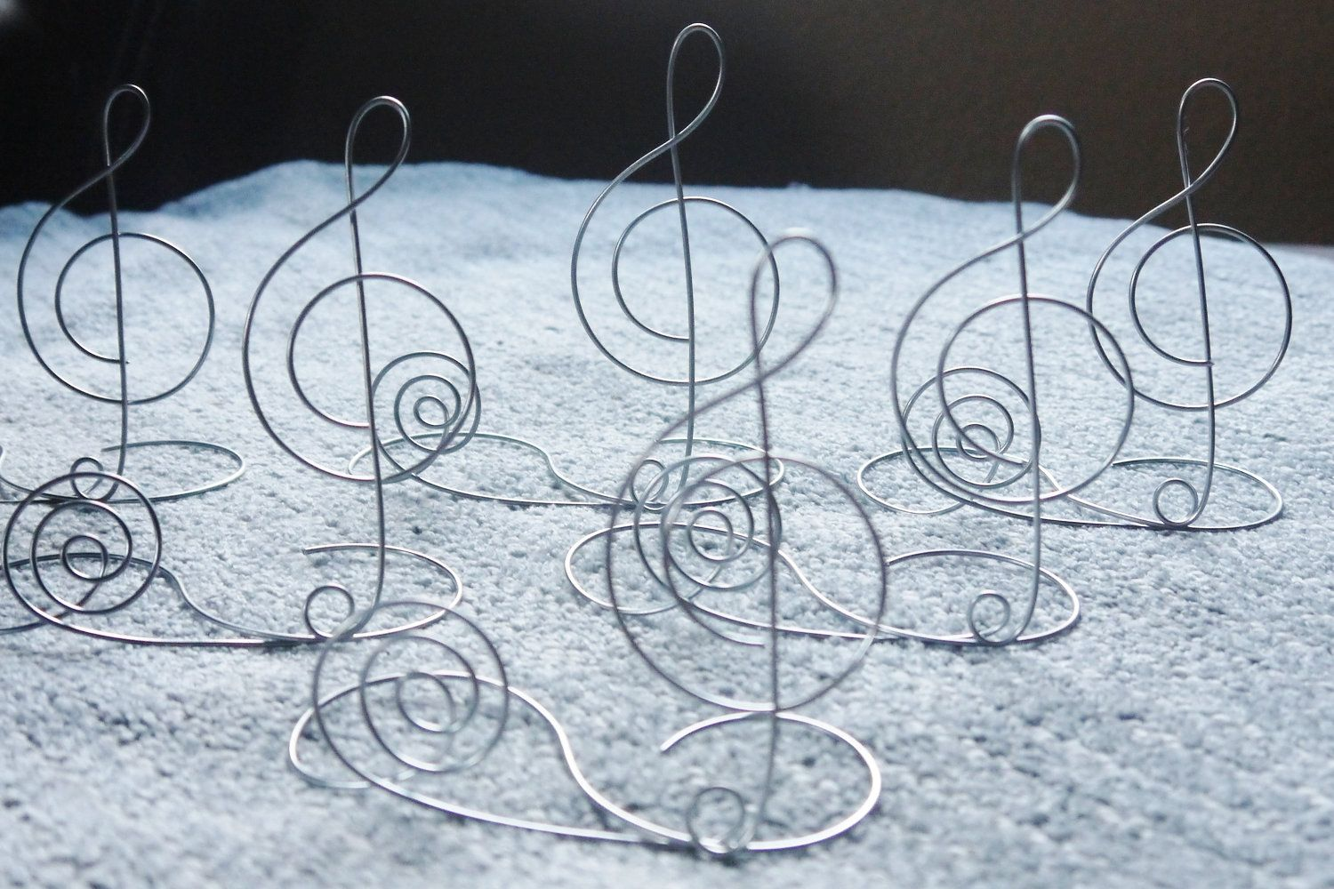 I would just make these. Wire Treble Clef Table Name Card Holder ...