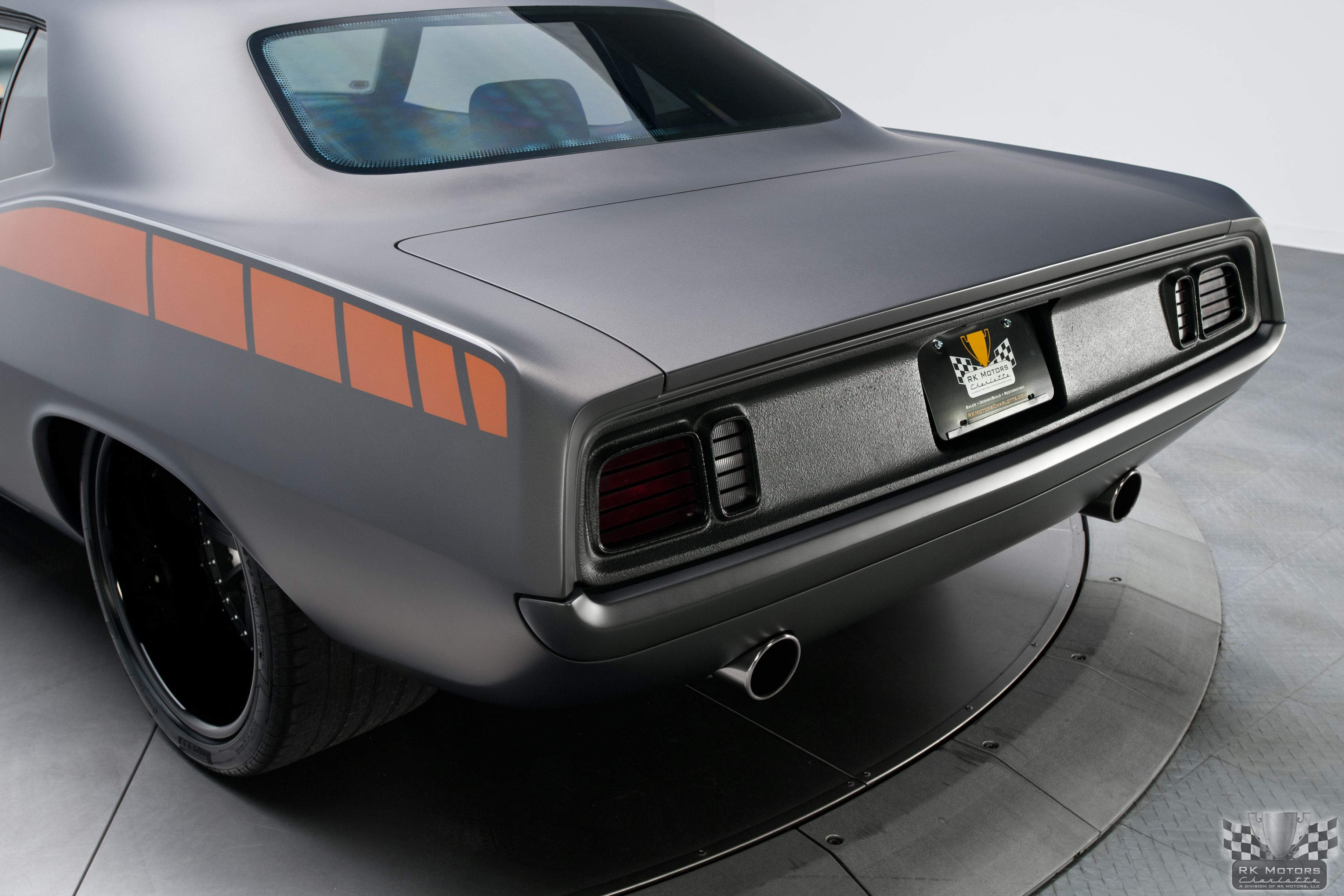 Dark Charcoal Paint Color Flat Color Graphics Http Www Rkmotorscharlotte Com Sales Inventory Active 1971 Plymouth Cuda 134076 Photo Inspiration Photo Car