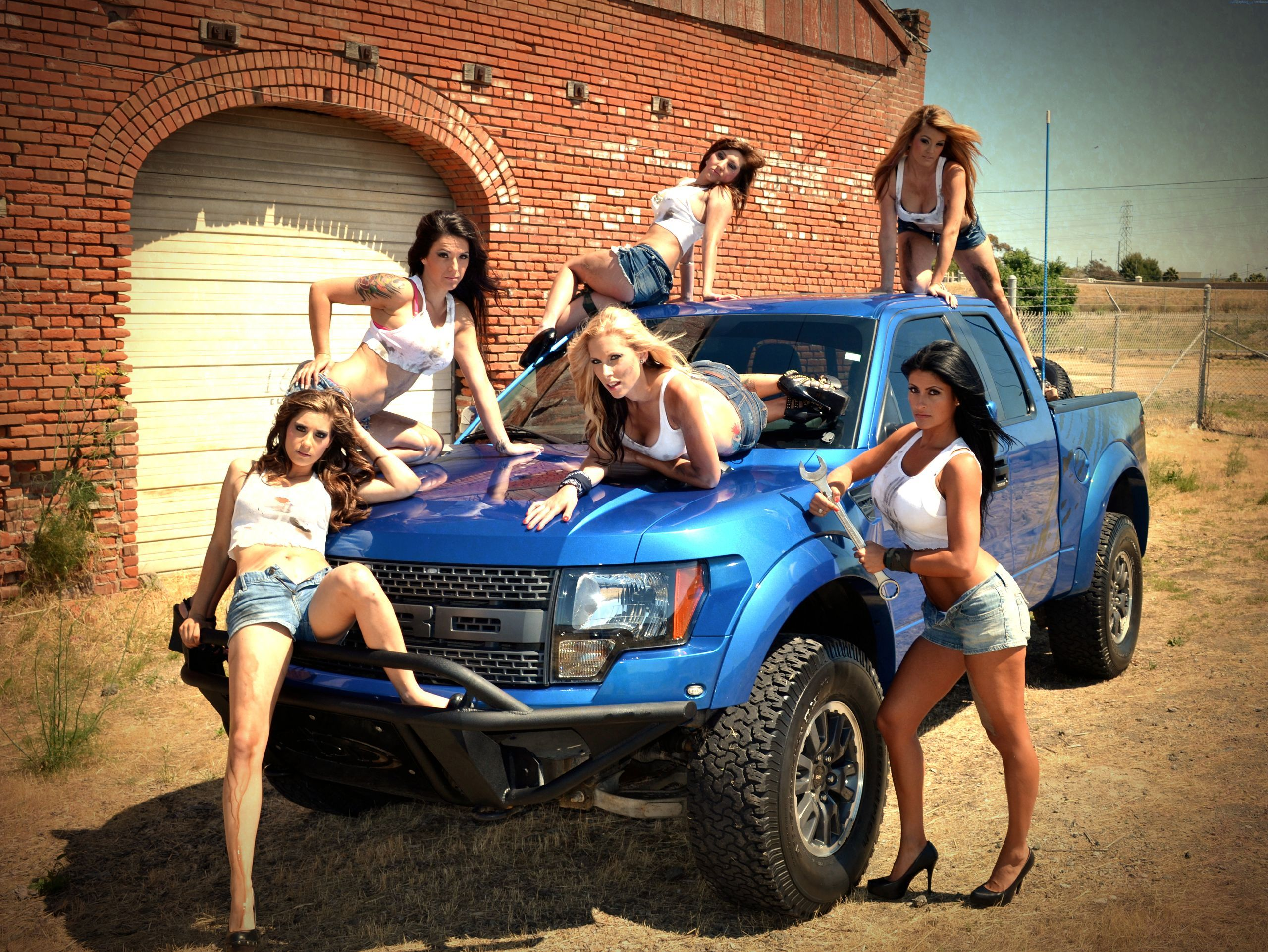 Hot girls and big trucks ford svt raptor dream carstrucks hot girls and big trucks ford svt raptor voltagebd Gallery