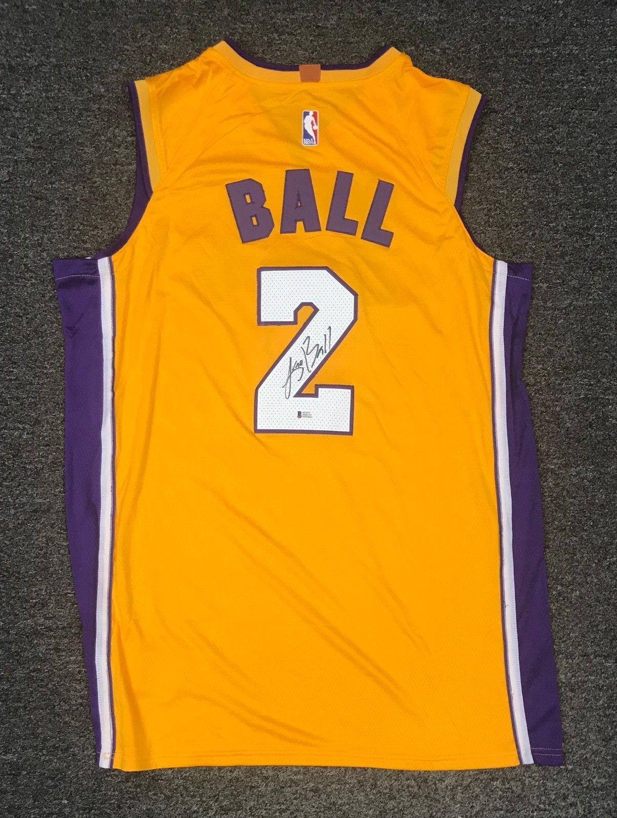 7b9afb1c66ff 42345 Lonzo Ball  2 Signed Lakers Jersey Sz 52 Beckett BAS WITNESSED COA   Basketball