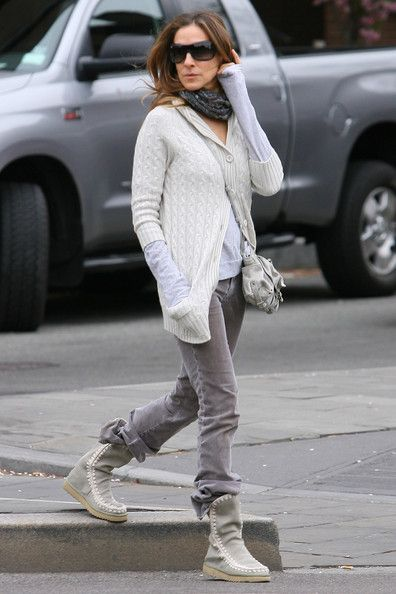 aff4e32bae7 Sarah Jessica Parker Sheepskin Boots - SJP looked chic and comfy in a  neutral ensemble completed by a pair of high top
