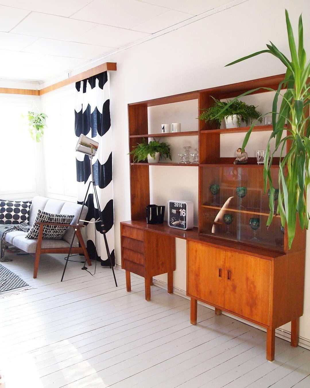 On instagram by miimiinkoti #homedesign #contratahotel (o) http://ift.tt/1LsEqtt sitten se olohuoneen sisustus pyörähti melkein kokonaan ympäri  #olohuone #livingroom #interior #etuovisisustus #oikotiesisustus #instahome #inspiroivakoti #retrohome #retroregram #marimekko #midcenturystyle #midcenturyfurniture #vintage #wwinterior #interiorwarrior #atmine #besimplystylish #oldhouse #rintamamiestalo #interiordesign #interiorstyling #homestyling  #home
