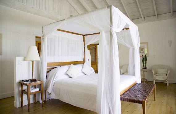 Oceanfront Residence Evoking Fortress-Like Grandeur Como Villa Parrot Cay (24)