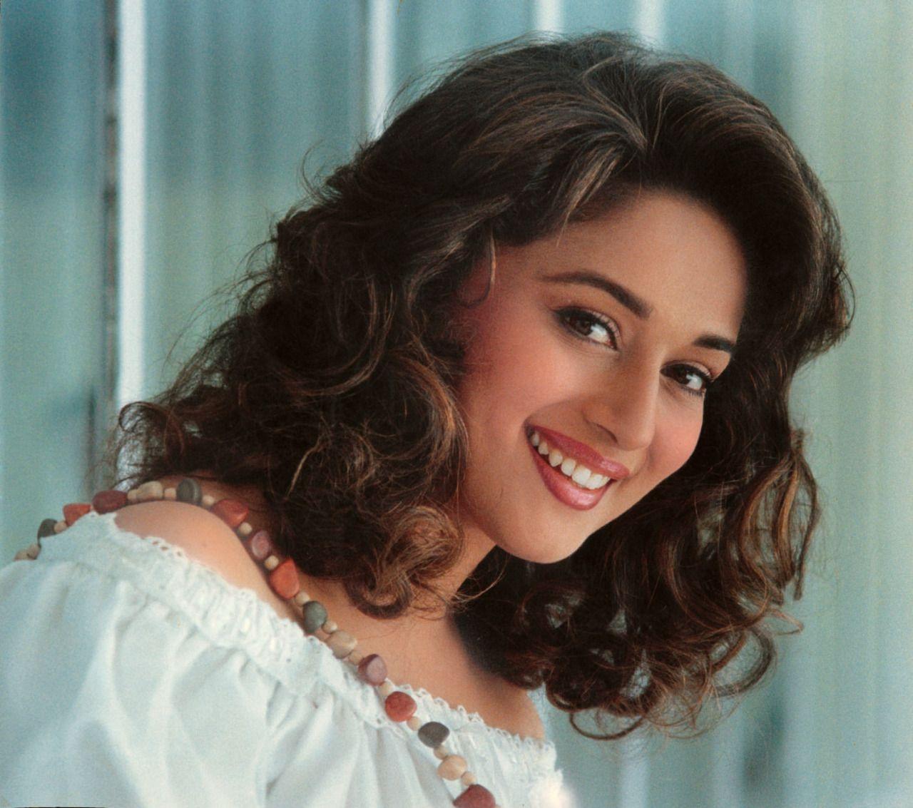 Beautiful Indian Bollywood Actress All Time: MADHURI DIXIT NENE