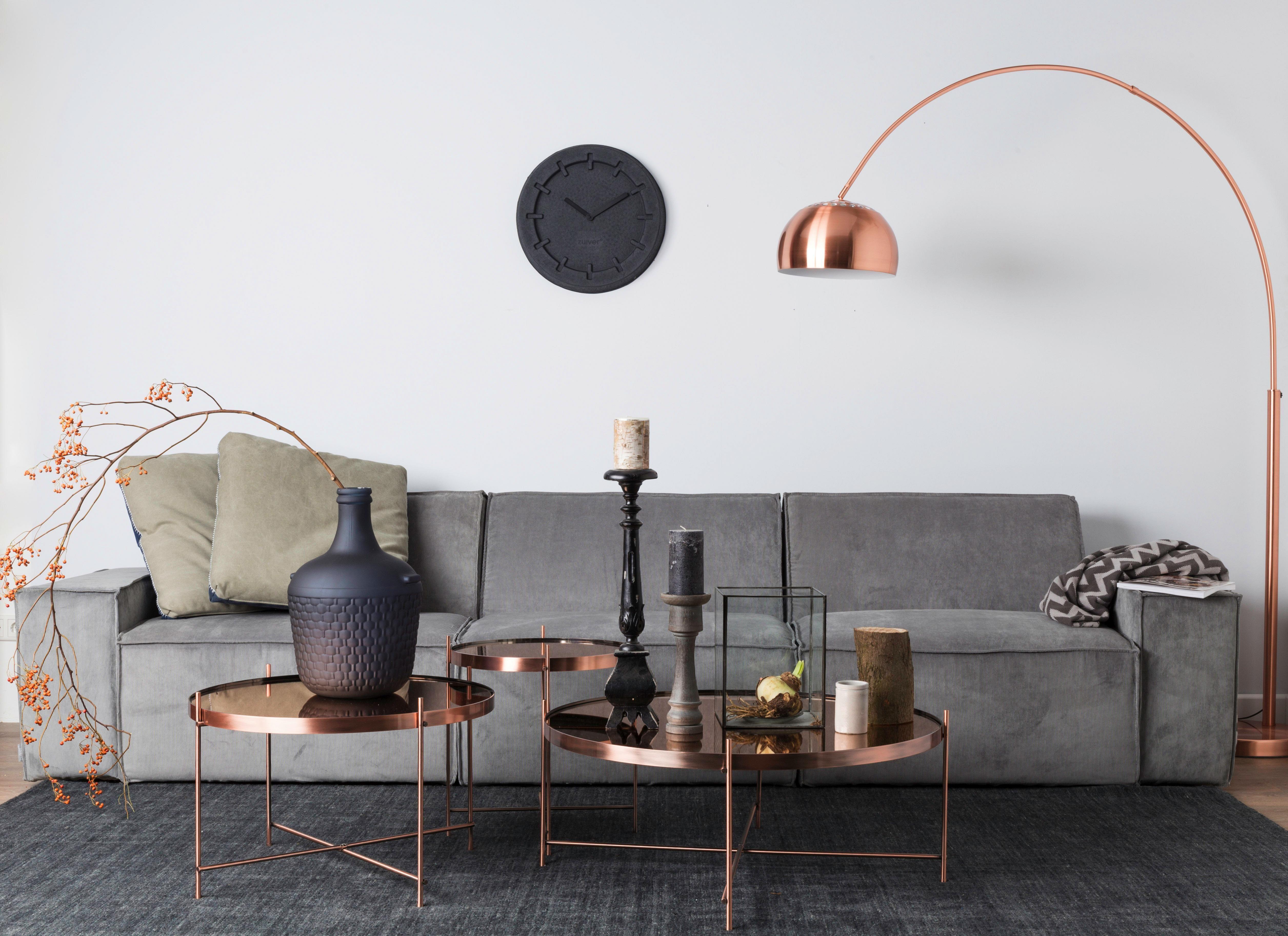 Kupfer Und Dunkle Töne Harmonieren Besonders Gut Miteinander. Das  Kupferfarbene Möbel überzeugt Durch Sein Minimalistisches Design Und Bietet  Ausreichend ...