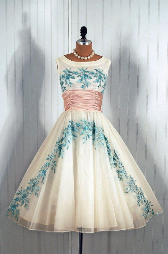 1950's Vintage Embroidered Blue-Rose Garden White Chiffon Princess ...