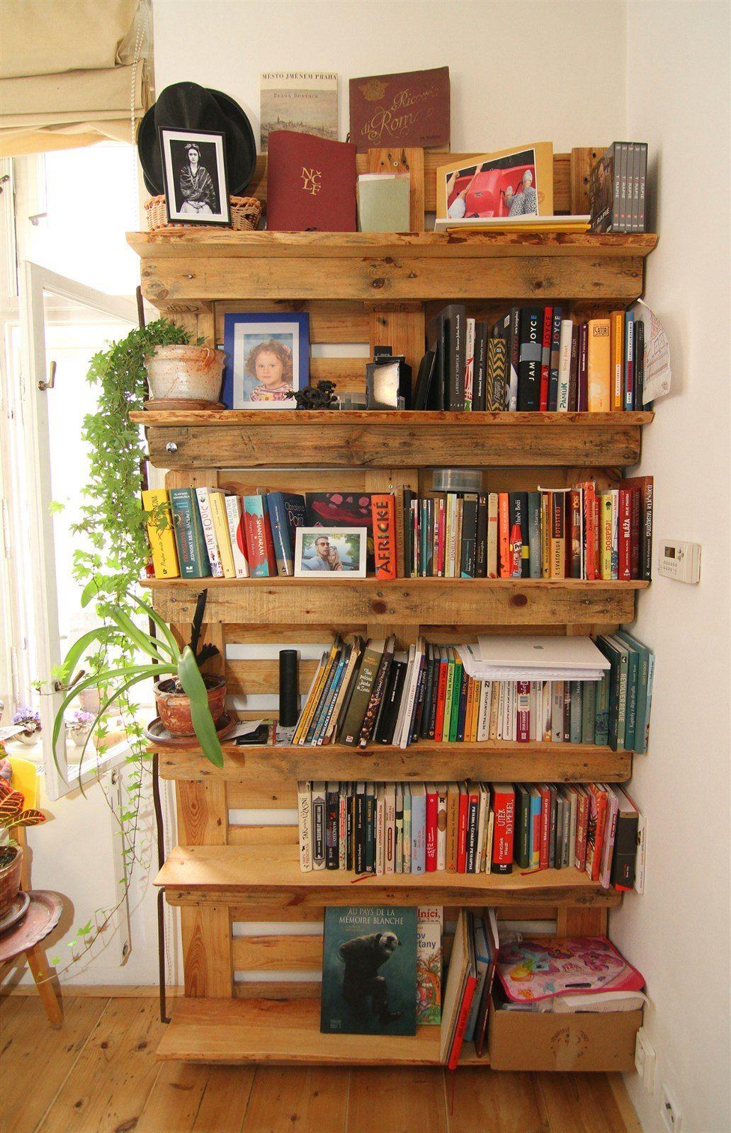 Scaffali Con Pallet.Librerie Con I Pallet 5 Idee Originali Con Materiali Di