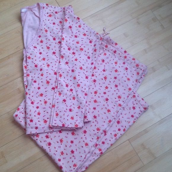 VS COTTON PJS These are really cute pjs cotton with a little lace at neckline bottoms are drawstring waist just really cute Victoria's Secret Intimates & Sleepwear Pajamas