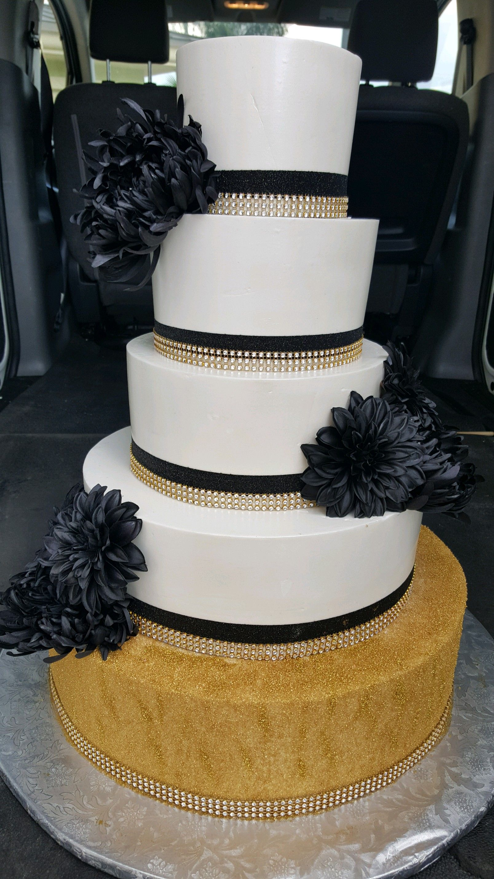 BLACK WHITE GOLD WEDDING CAKE DELIVERY from EL BOLILLO BAKERY in