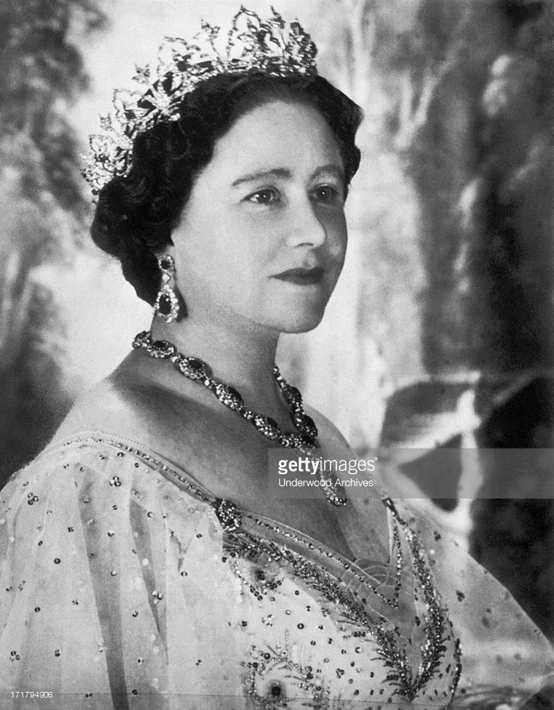 A Portrait Of Elizabeth Bowes Lyon Queen Elizabeth The Queen Mother Queen Mother Queen Elizabeth Her Majesty The Queen
