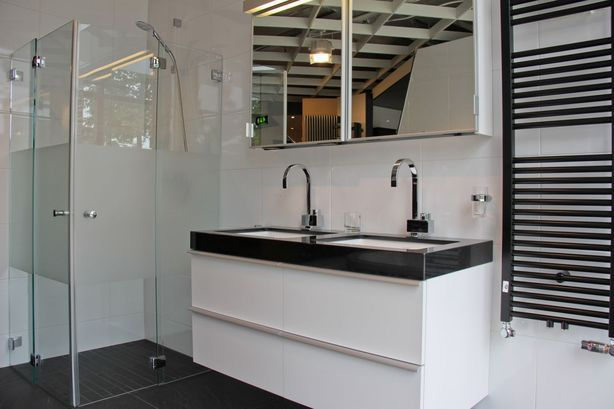 Badkamermeubel Zwart Wit : Bol badkamermeubel sevilla led inclusief spiegel wit met