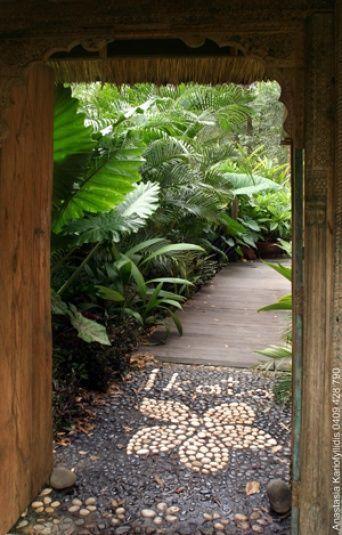 Tropical Patio Design Ideas, Renovations & Photos #Smallbackyardlandscapeideas,  #Design #ide...,  #Design #Ide #ideas #Patio #photos #Renovations #Smallbackyardlandscapeideas #Tropical #tropicalgardenideasinspiration