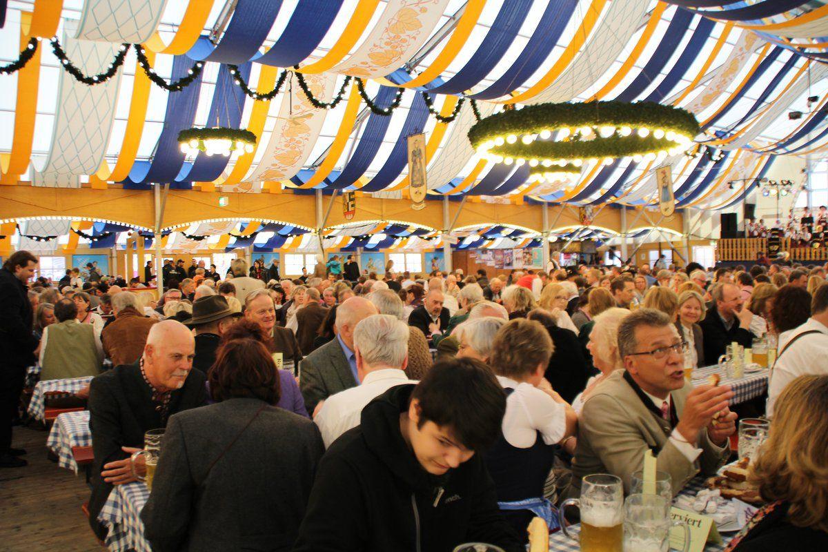 2016 Volksfest Anstich 65. Lohhofer Volksfest in