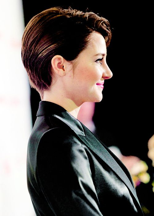 4 Shailene Woodley Tumblr Shailene Woodly Pinterest Shailene Woodley Short Hair And