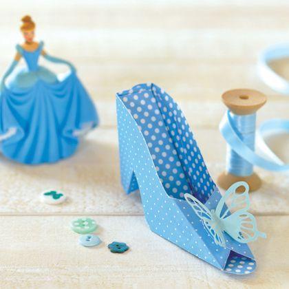 La chaussure de cendrillon en 3d anniversaire cendrillon pinterest cendrillon les - Jeux de decoration de chaussure ...