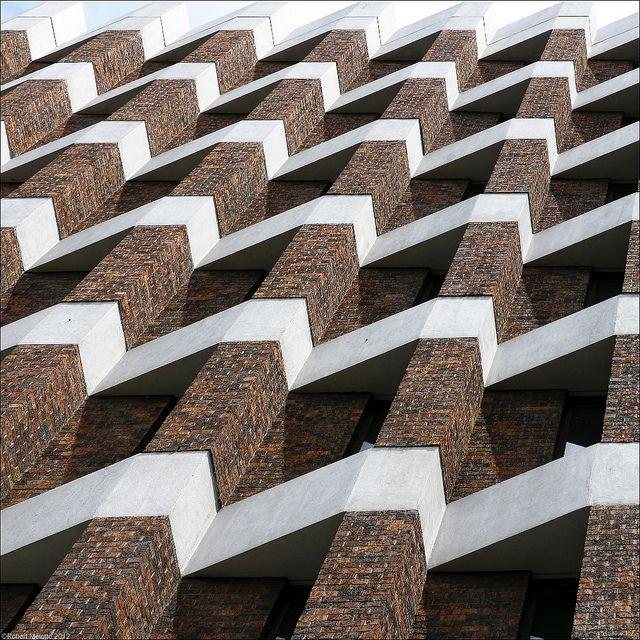 *architecture, facades, textures, windows* - ZigzagginG by Rob Mel via Flickr