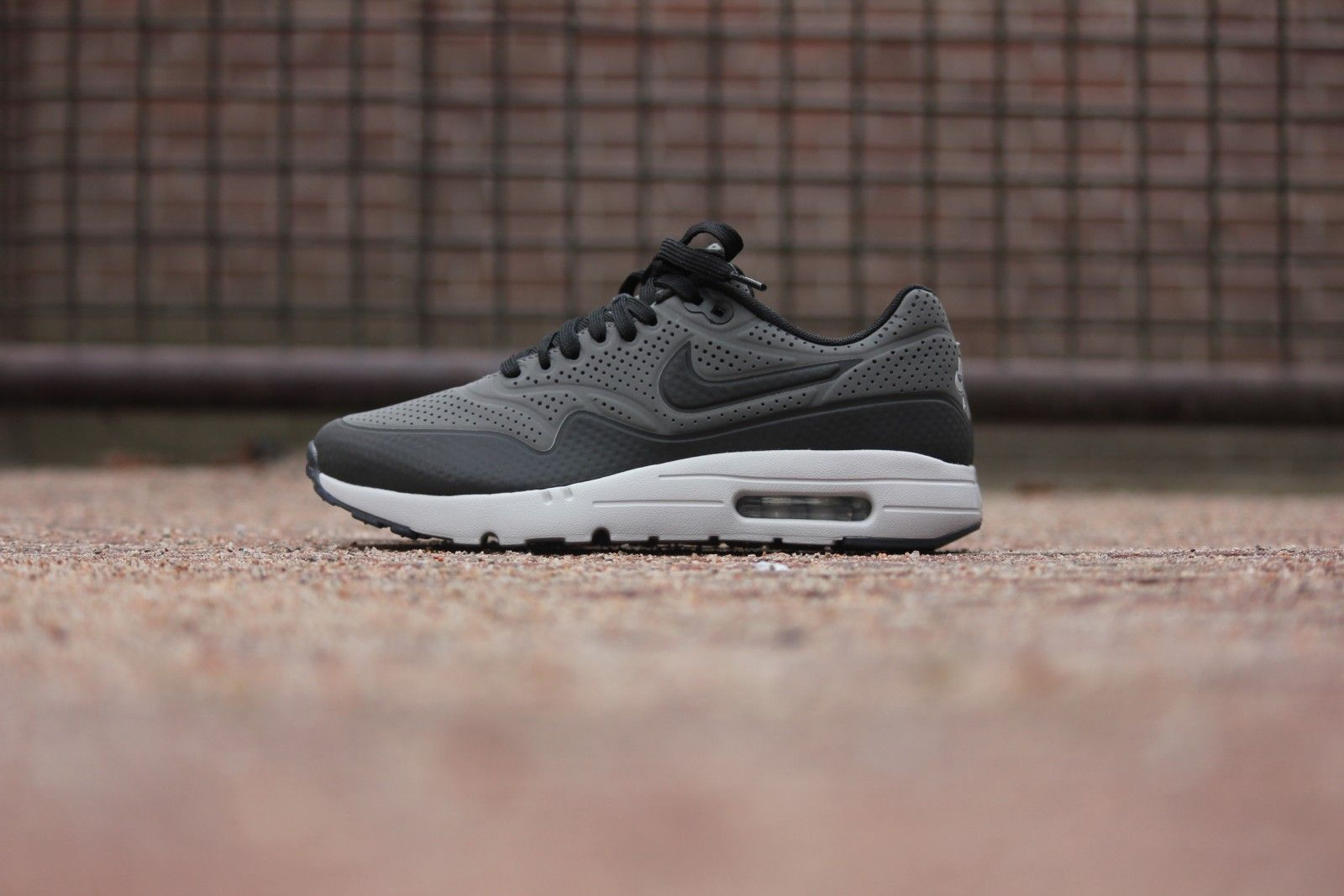 Nike Air Max 1 Ultra Moire Dark Grey/ Black-Fit Silver - 705297-