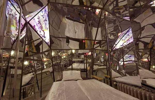 Bizarre Themed Hotel Rooms To See Pinterest Cayendo