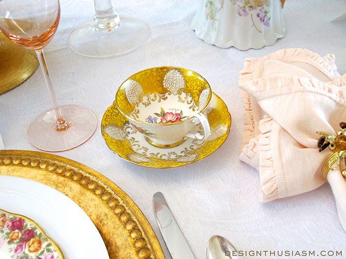 Vintage Brunch Table Setting   Designthusiasm.com #tablescape #tablesetting #homedecor #homedesign #entertaining #vintagechina #vintage #pink
