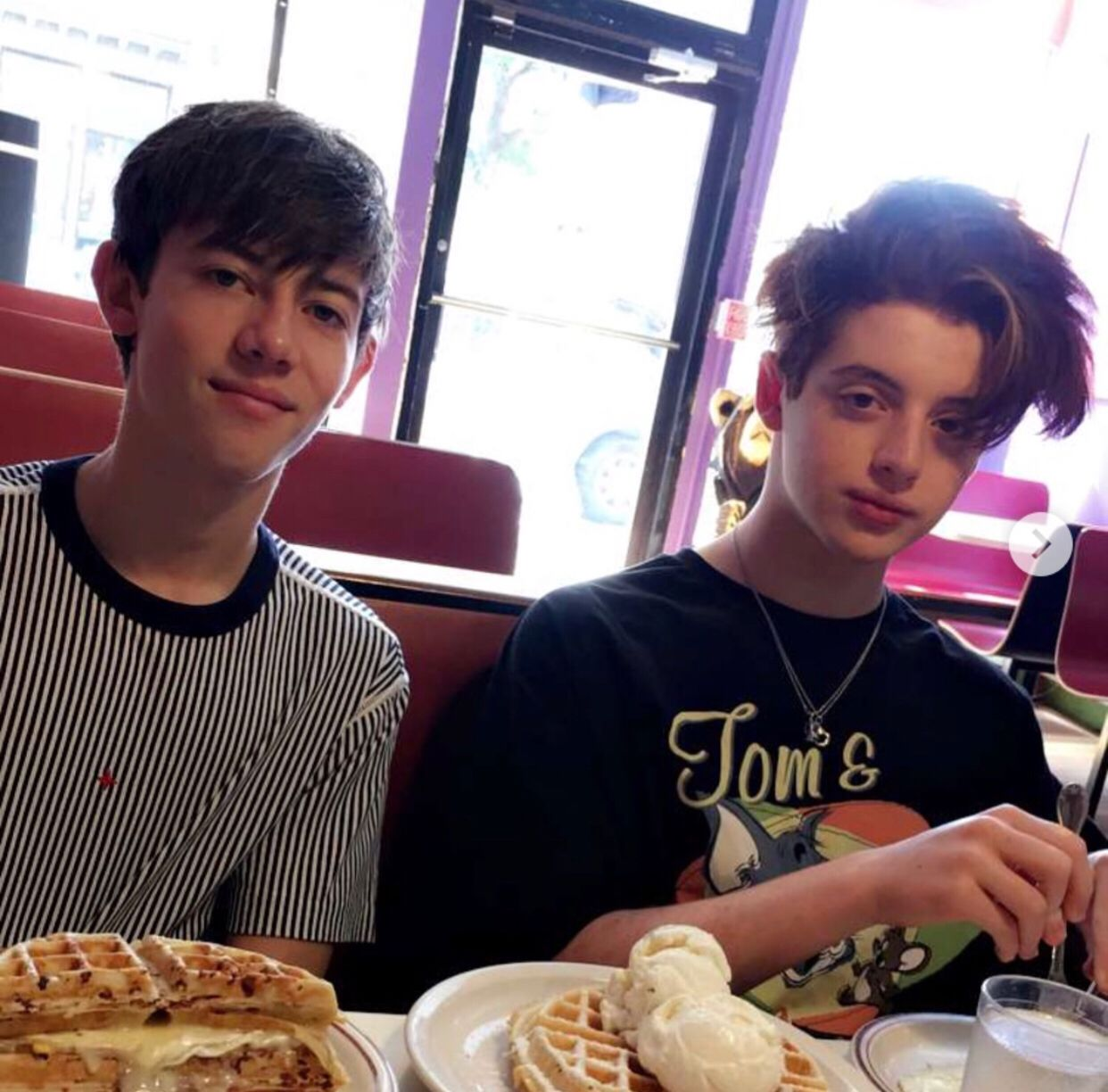 Pin By Melissa Phantom Hive On Thomas Barbusca Griffin Gluck Griffin Aesthetic Movies