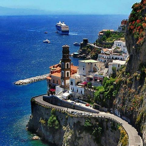 Amalfi Coast, Italy. https://www.facebook.com/Offical.Wonderful.Places/photos/a.489452227807920.1073741826.489450844474725/1110133965739740/?type=3&theater