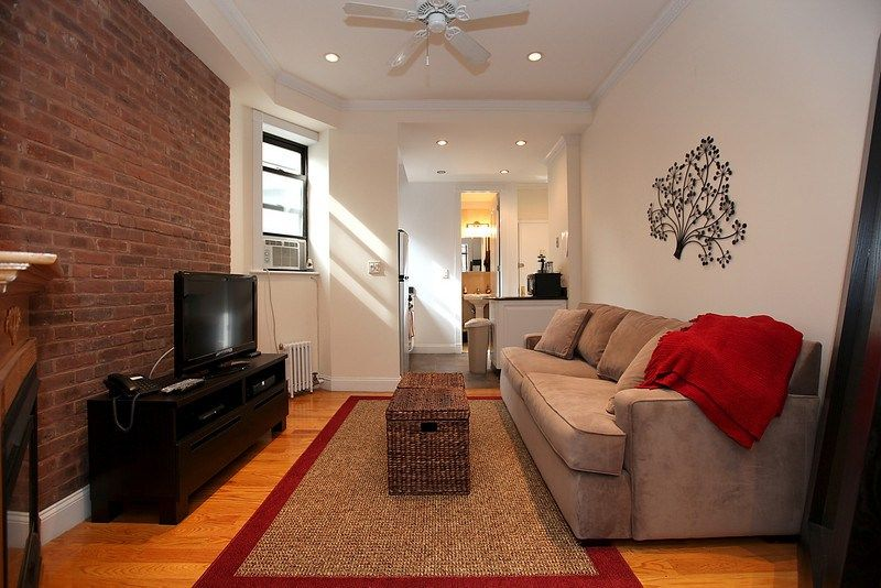 1 Bedroom 1 Bath Walk Up 3rd Floor Wash Dryer Utilities Included On 10th Ave 3300 Per Month Rental Apartments Vacation Rental Apartment