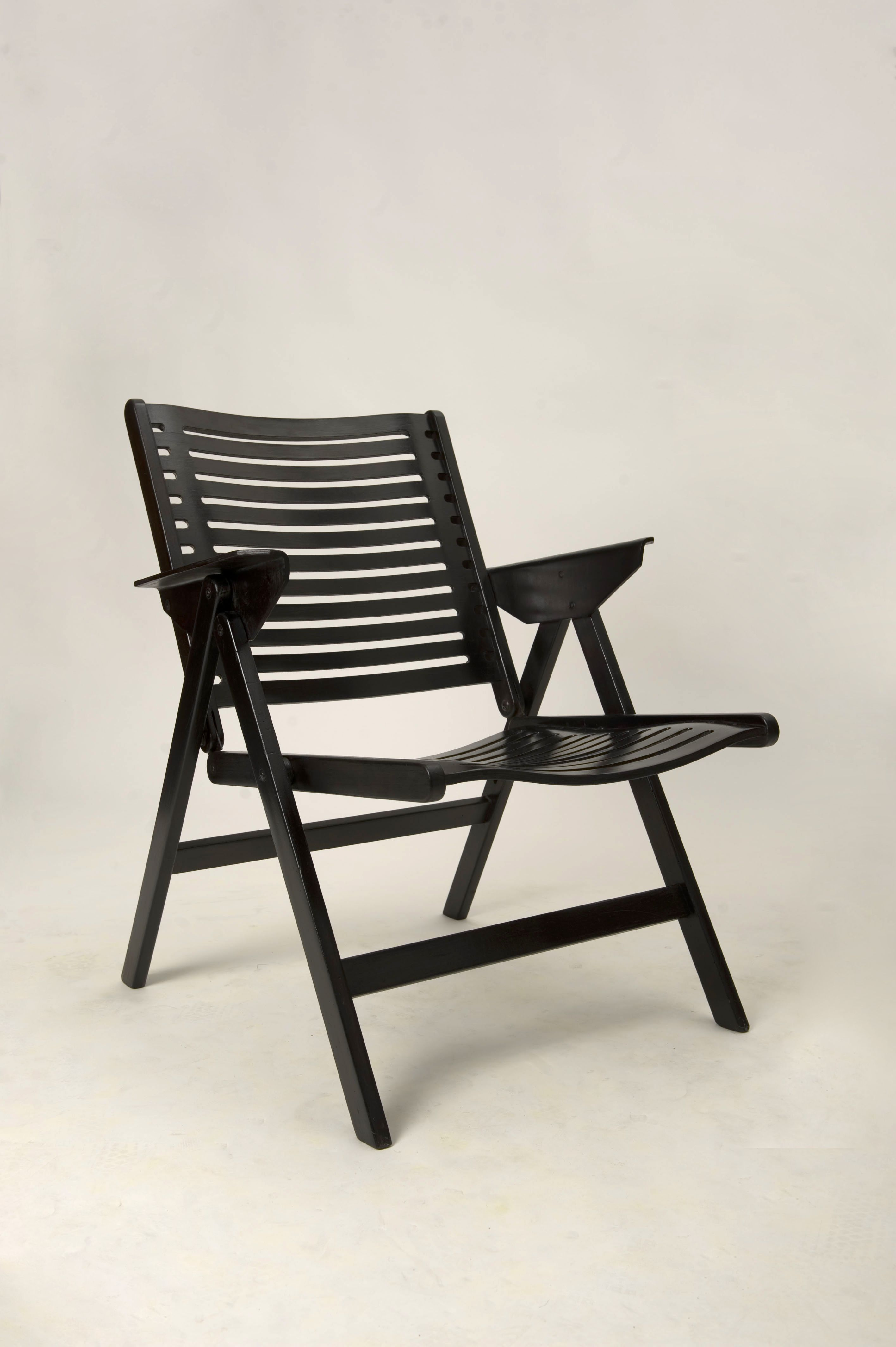The Quot Rex Quot Chair Is A Scandinavian Design Inspired Wooden