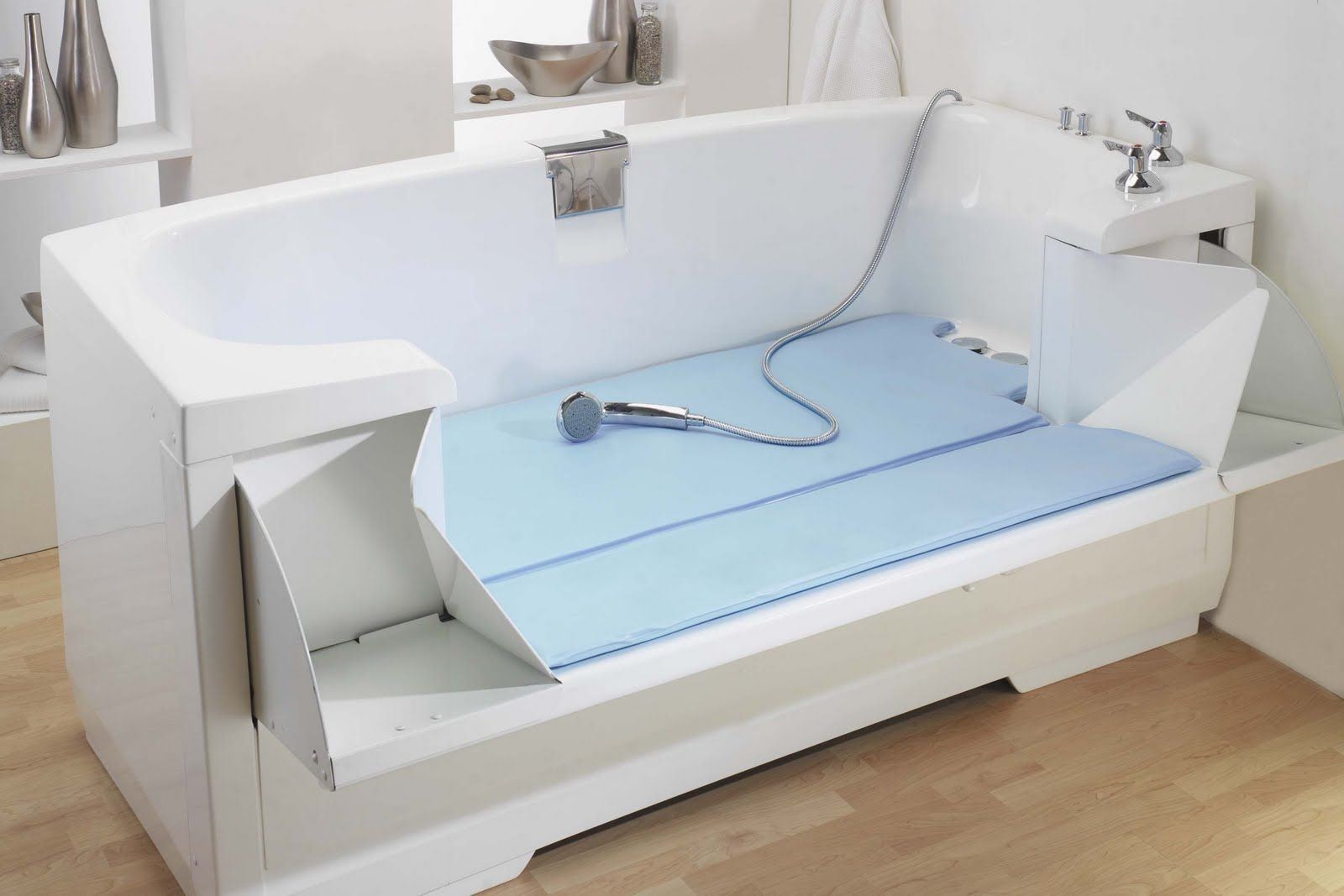 Handicapper tubs bathtubs for the elderly and disabled for Bathroom ideas elderly