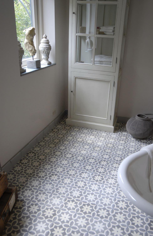 Carreau d 39 int rieur de sol en ciment aspect bois la maestria ca - Ciment decoratif interieur ...