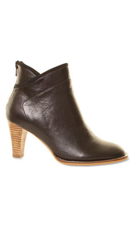 8fbe897dca0 Sofie Schnoor - T216C - Sort kort støvlet / 38 | Tøj osv | Boots ...