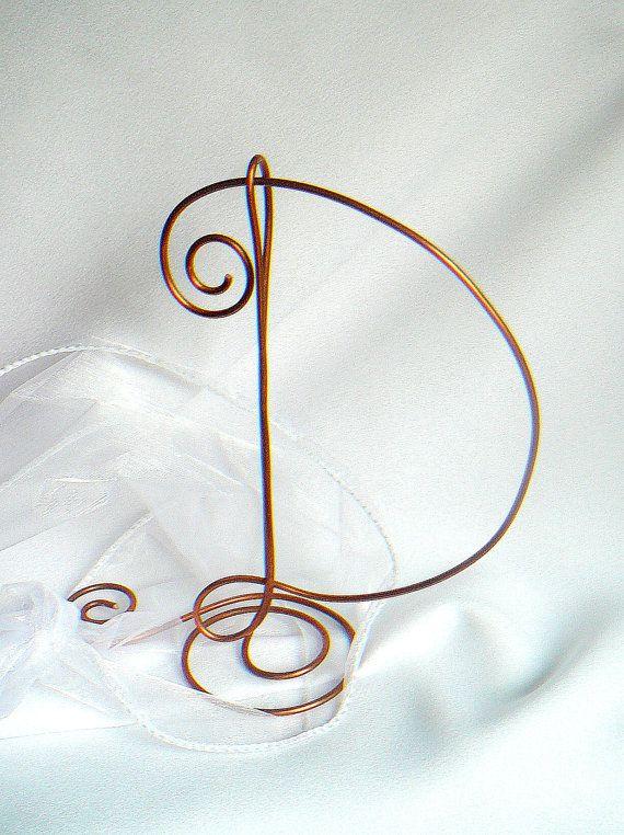 Segnaposto e decorazione per tavola in filo di rame (by HomesAndWeddings)