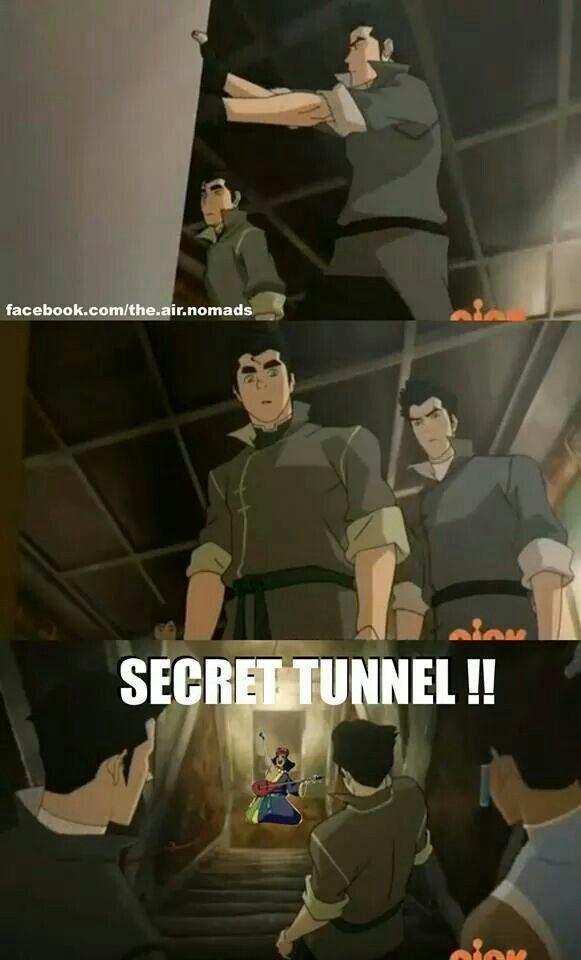 Secret tunnel secret tunnel through that one dudes house secret secret secret secret tunnel! !!! Shoutout to Grace Gilscemi on FB for the lyrics.