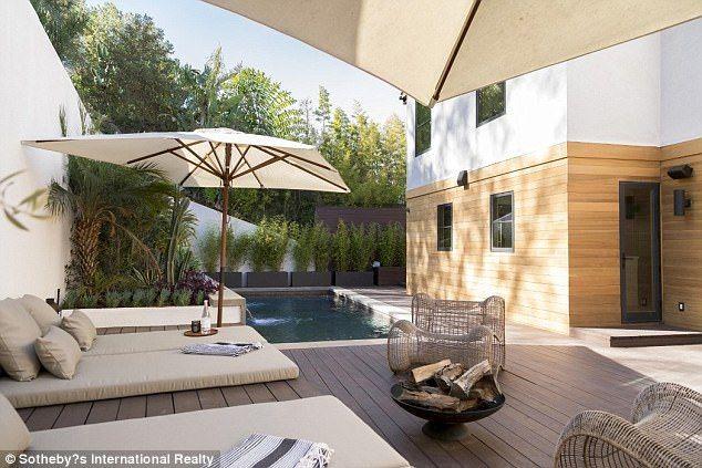 Jon Hamm purchases house in Los Feliz for 3.4 million