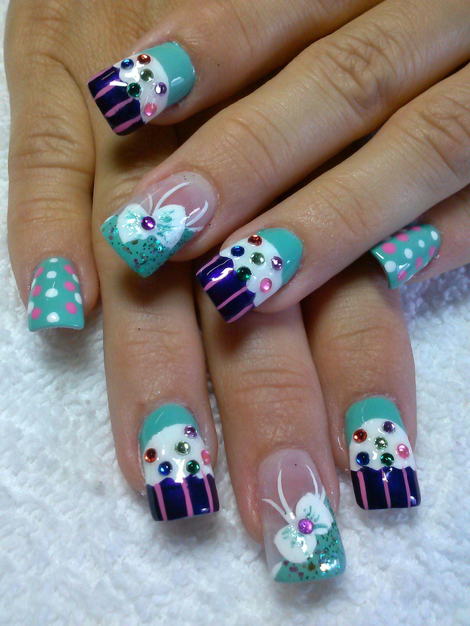 love birthday cupcake nail art