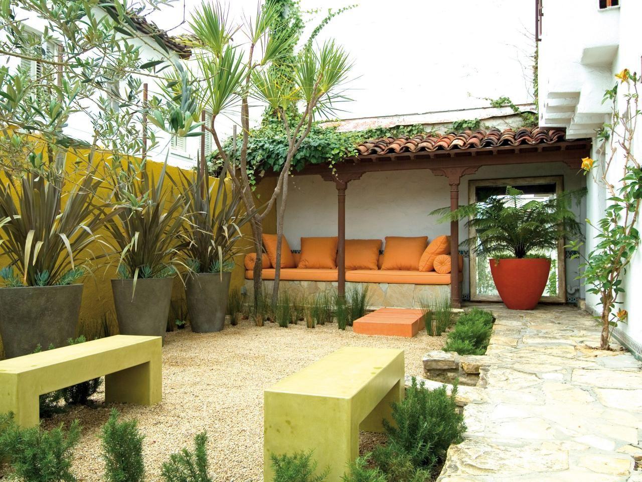 Aménagement jardin contemporain en style minimaliste