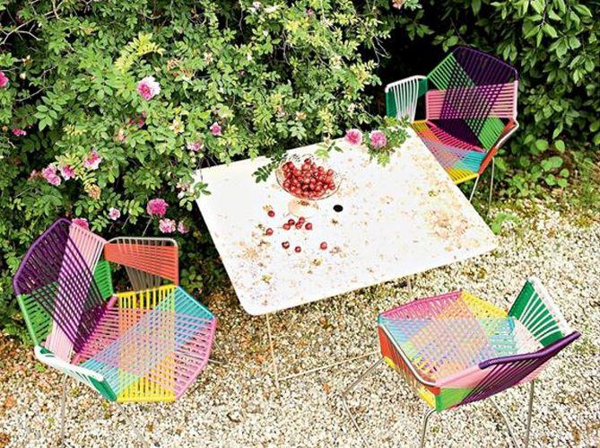 table #chaises #couleurs #fleurs   Jardin - Outdoor, beautiful ...