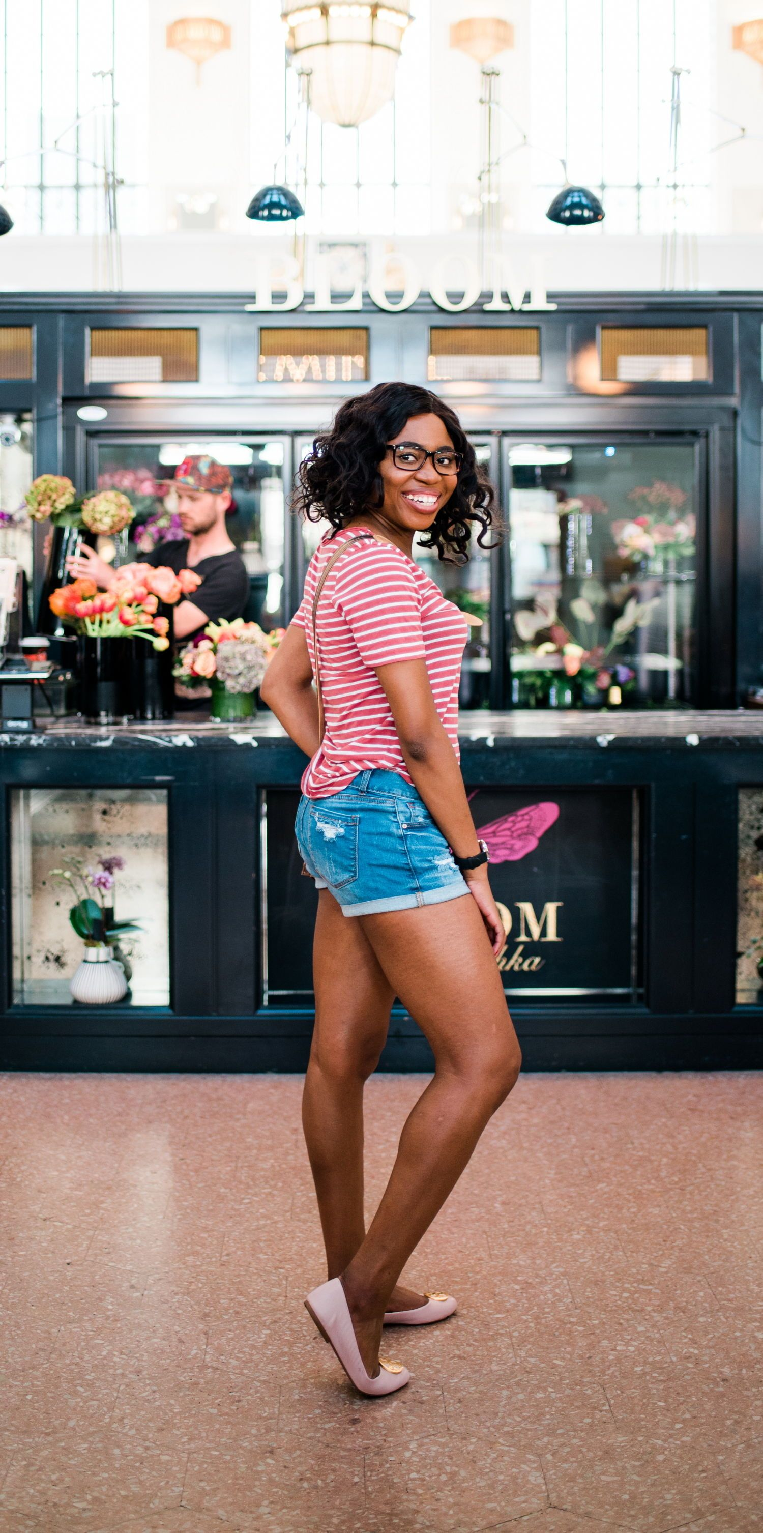 10bafa3e4b88 If you ve been searching for ONE way to make your summer denim shorts outfit