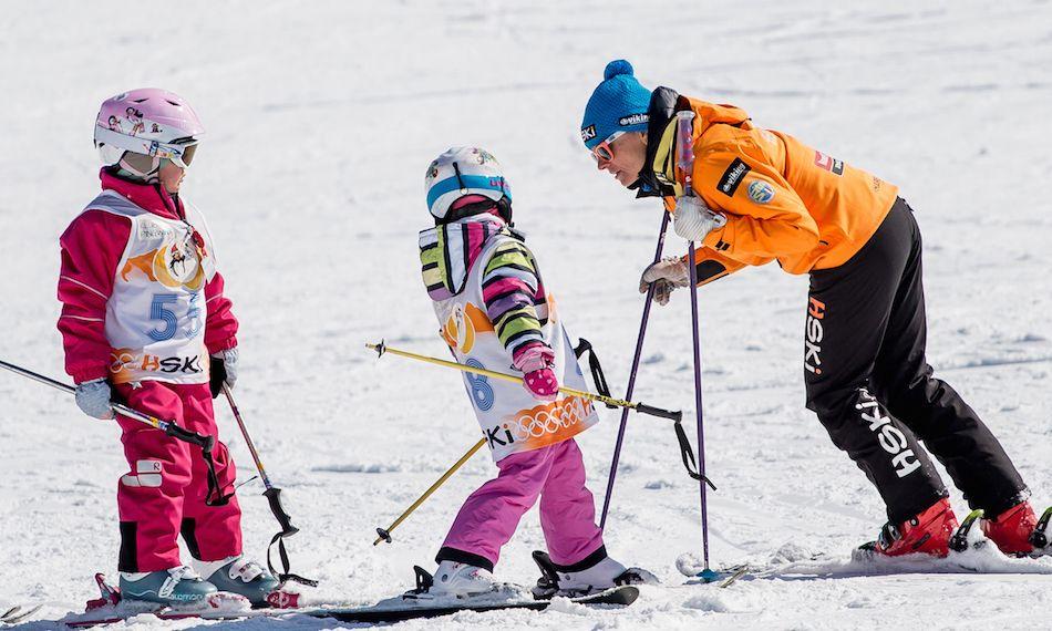 Sensacyjne Odkrycie Naukowcow Dzieci Jezdzace Na Nartach Maja Lepsze Wyniki W Szkole Hski Pl Skiing Suits