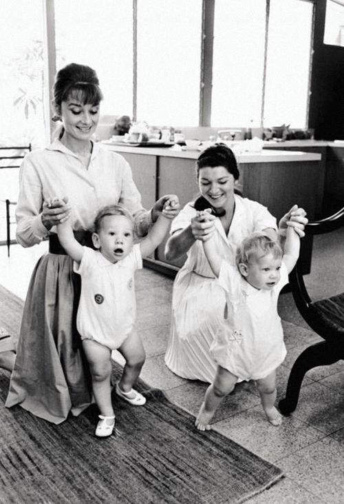 1961 audrey hepburn and her children audrey hepburn