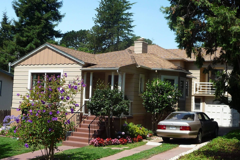 Beautiful Oakland Hills 3 2 House In Oakland Renting A House House Rental Oakland House