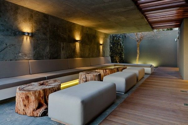 Unique Wooden Table from Luxury Boutique Hotel Design Ideas in Cape Town South Africa 600x400 Luxury Boutique Hotel Design Ideas in Cape Tow...