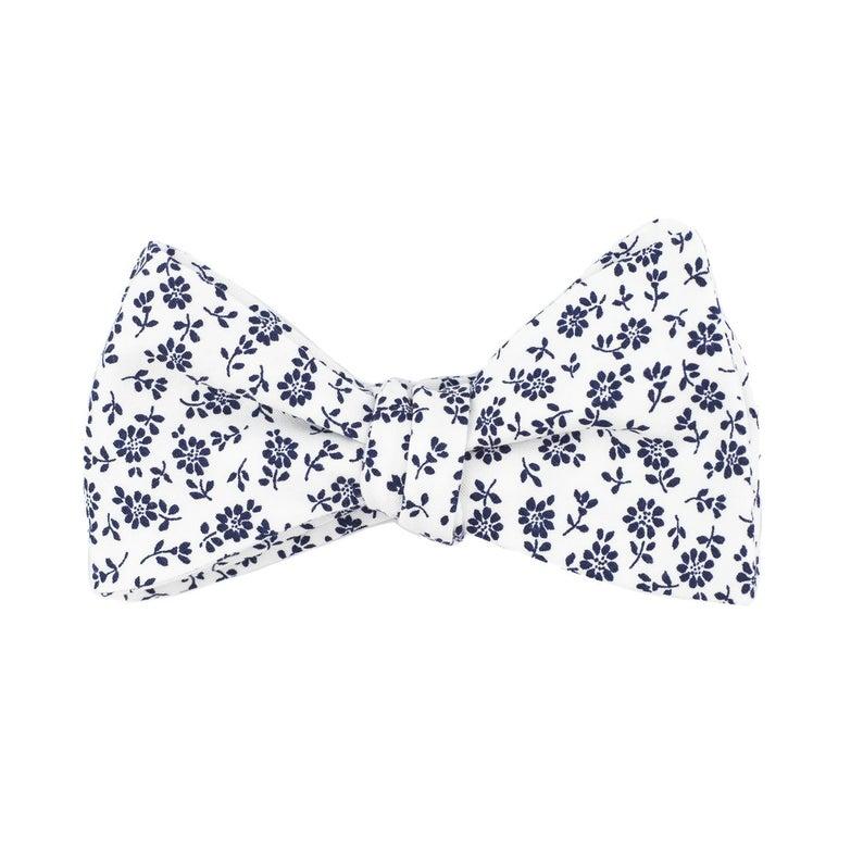 White Blue Floral Bow Tie Wedding Bow Ties Mens Self Tie Etsy Bow Tie Wedding Groom And Groomsmen Country Wedding Groom