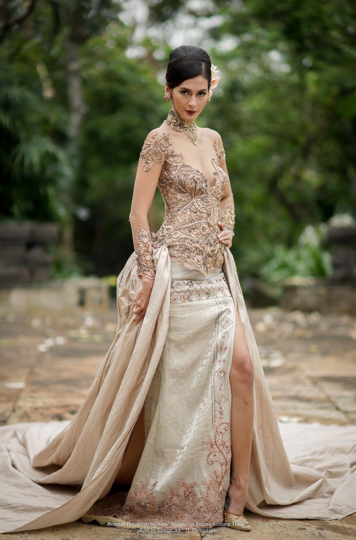 Peranakan kebaya wedding dress
