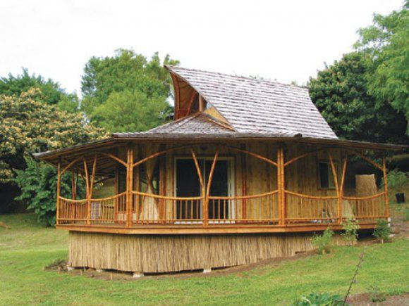 Bamboo House | Bamboo Technologies Green Prefab Bamboo Plantation House.  Modulare HäuserHausmöbelPlantagenhausStrohlehmhäuserHaus ...