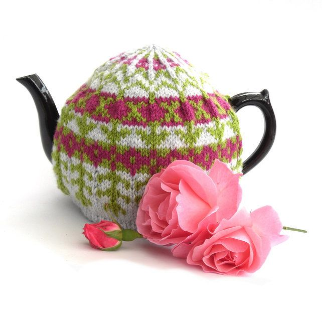 Tea cosy knitting pattern in fair isle | Tea cosy knitting ...